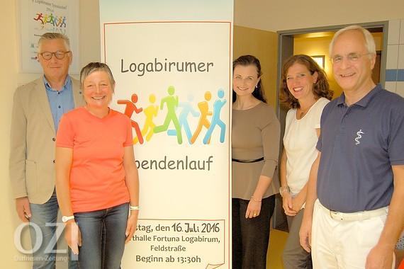 Freuen sich auf den Spendenlauf (von links): Werner Müller, Silvia Warring (beide Fortuna Logabirum), Gitta Connemann, Gabriele Wingerter-Wolters (Psychologin), Dr. Enno-LudwigSchulze (Arzt). Bild: privat