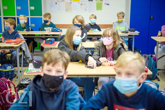 Schüler Ficken Während Des Nachsitzens